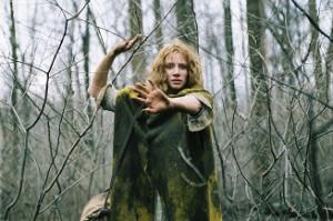 le-village-m-night-shyamalan-joaquin-phoenix-critique-film-horreur-épouvante