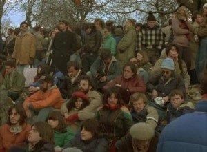 Dix minutes de silence pour John Lennon - Raymond Depardon - 1980 dans Raymond Depardon 03.-10-minutes-de-silence-pour-John-Lennon-Raymond-Depardon-1980-300x220
