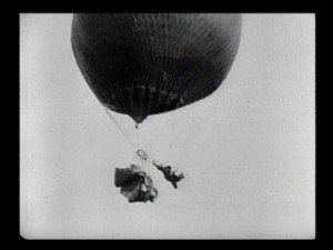 Malec aéronaute (The Balloonatic) - Buster Keaton & Edward F. Cline - 1923 dans Buster Keaton & Edward F. Cline 14.-malec-aeronaute-the-balloonatic-buster-keaton-and-edward-f.-cline-1923-300x225