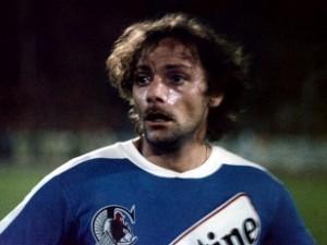 01_-coup-de-tete-jean-jacques-annaud-19791