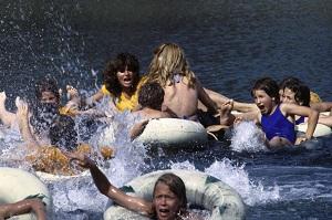 02. Piranhas - Piranha - Joe Dante - 1978