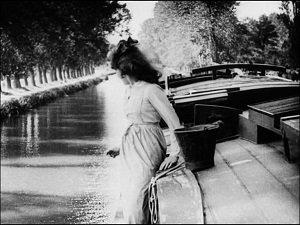 33. La fille de l'eau - Jean Renoir - 1925